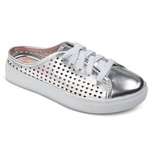 Betseyville Robyn Heart Chop Out Slip On Sneakers